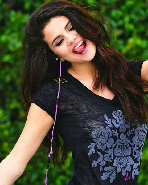 beautiful pics of Selena Gomez
